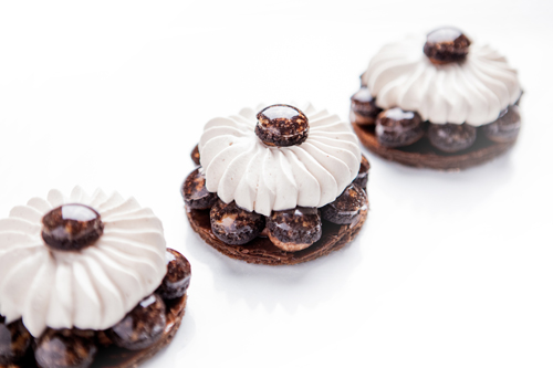 Le Meurice - Collection Les Parisiennes - Saint Honore Chocolat ©Pierre Monetta