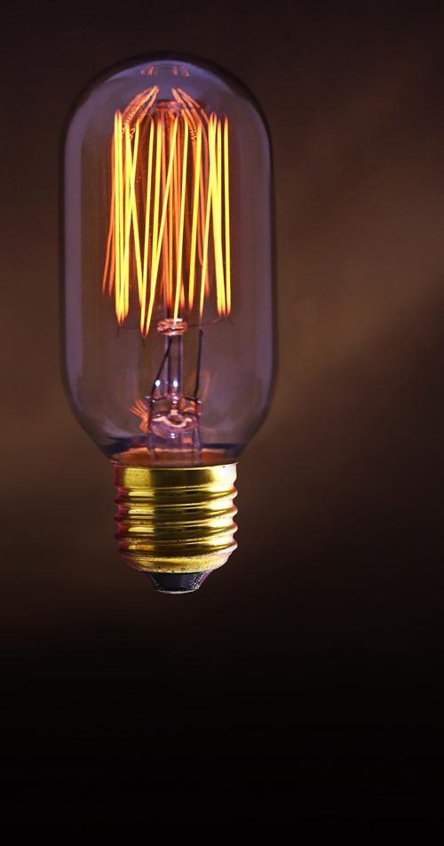 Jurassic Light Alan avec filament. De 19 à 30€, Des ampoules & des luminaires qui brillent d'une autre lumière