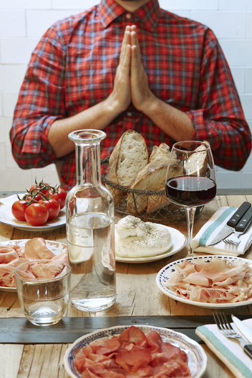 Oh my God ! la prière gourmande du Margherita. ©Francis Amiand, The « Italian Food » Kingdom à Saint-Germain