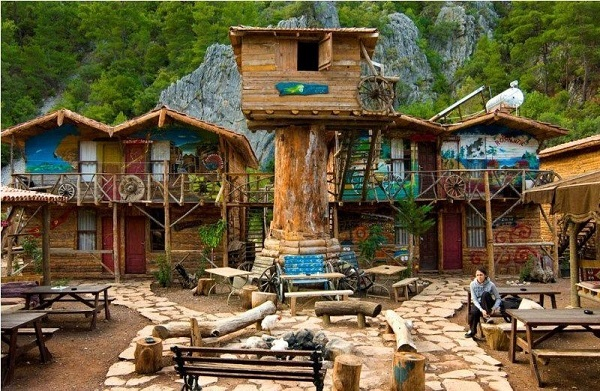 top10aubergedejeunesse kadirs tree house