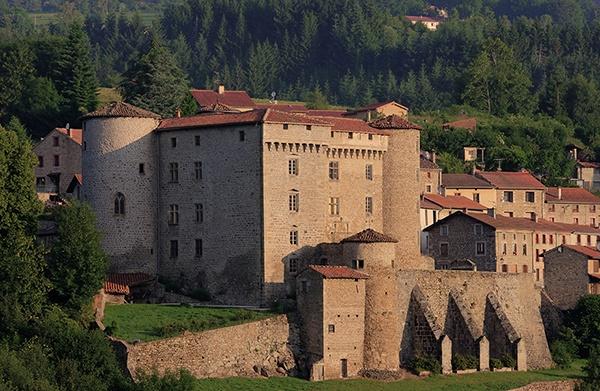La vie de château dans le département de la Loire