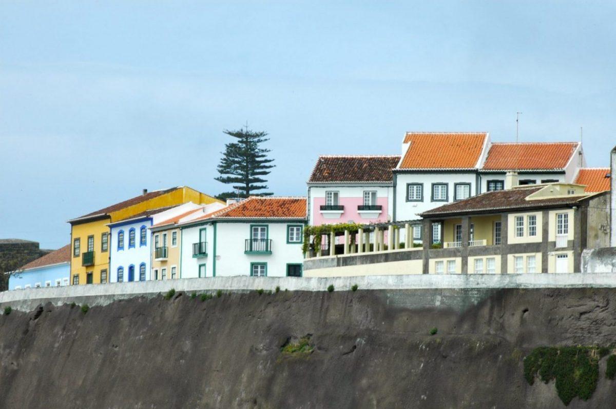 Portugal, Açores, Terceira, San Miguel, maisons colorées