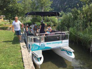 Savoie, Lacs de Savoie, lac d'Aiguebelette, bateau électrique, mini-croisiere